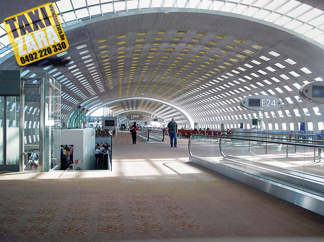 Airport Charles de Gaulle couloir www.taxizara.be Tel492220330 taxi huy
